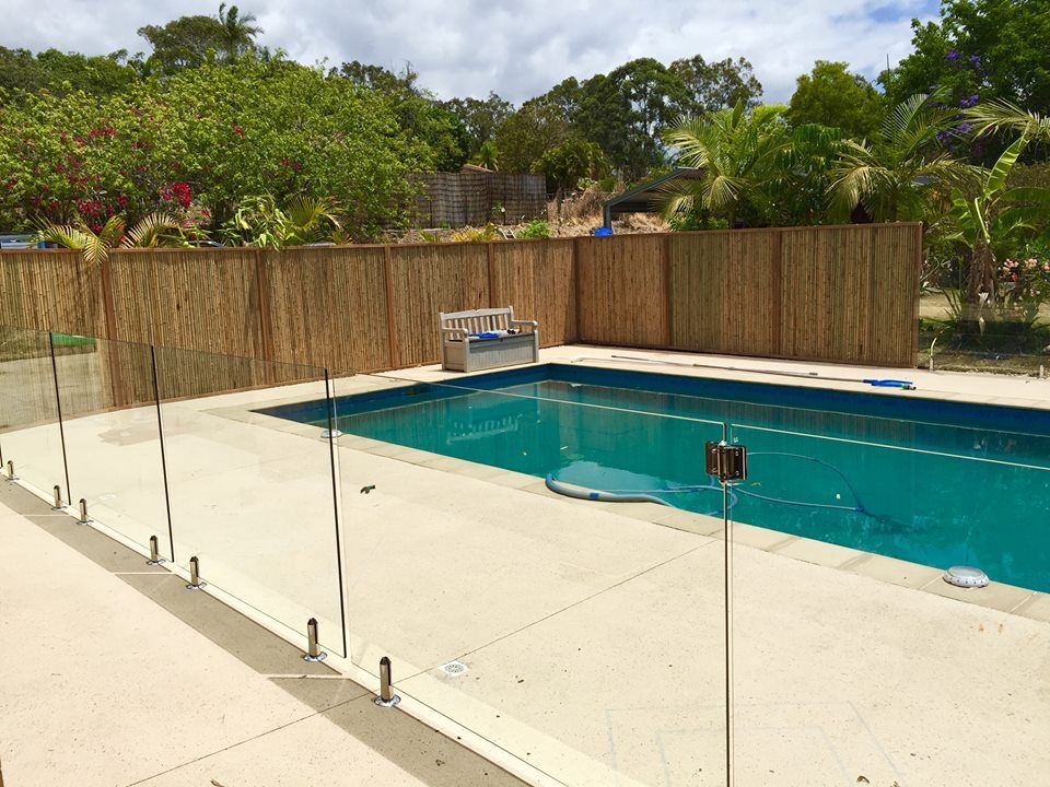 Trendy Glass Pool Fencing Looking To Install Latest And Trendy Glass Fence Around Your Swimming Pool Contact Us At 1 Railings Outdoor Glass Pool Fencing Pool