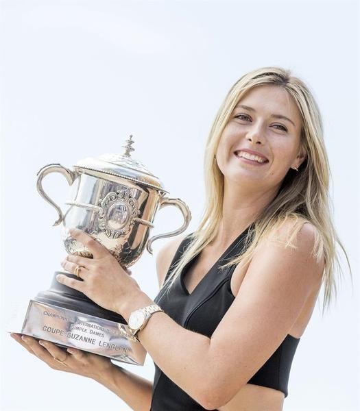 Acostumbrada a brillar sobre hierba y cemento, la tenista de Nyagan confirmó su mejoría sobre arcilla con su victoria, por 6-4 6-7 (5) y 6-4, sobre la rumana Simona Halep. | EFE