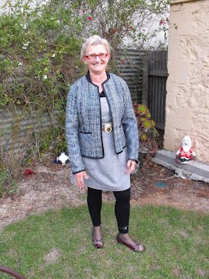 Suzy Bee Sews: Vogue 7975: Chanel style jacket - Finished!