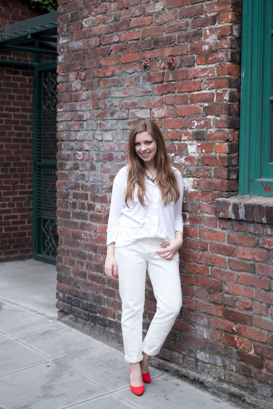 d32a02ae0ec White Boyfriend Jeans Outfit - hellorigby seattle fashion blog ...