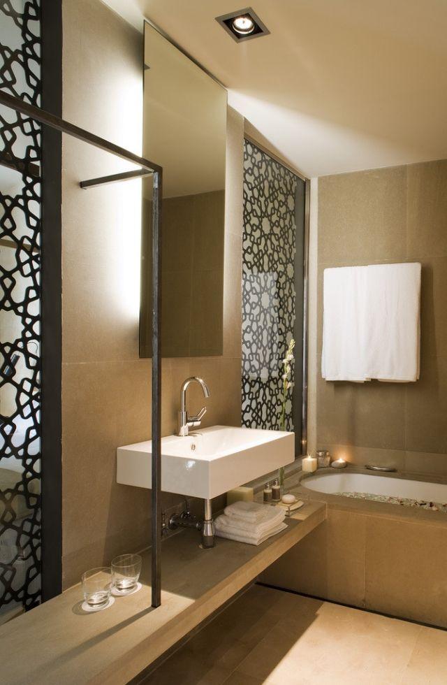 Kleines Bad Badewanne Idee Regal Unter Waschtisch Dekorative