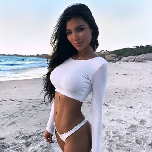 e6b4d8877b756 HOTTEST INSTAGRAM MODELS WITH PERFECT BODIES - December 29 2017 at 11 25AM