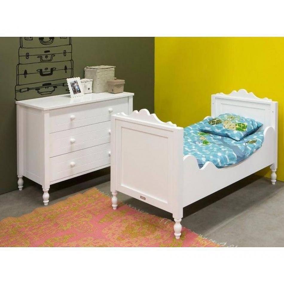 Belle slaapkamer met junior bed / Wit Stel zelf uw baby slaapkamer ...