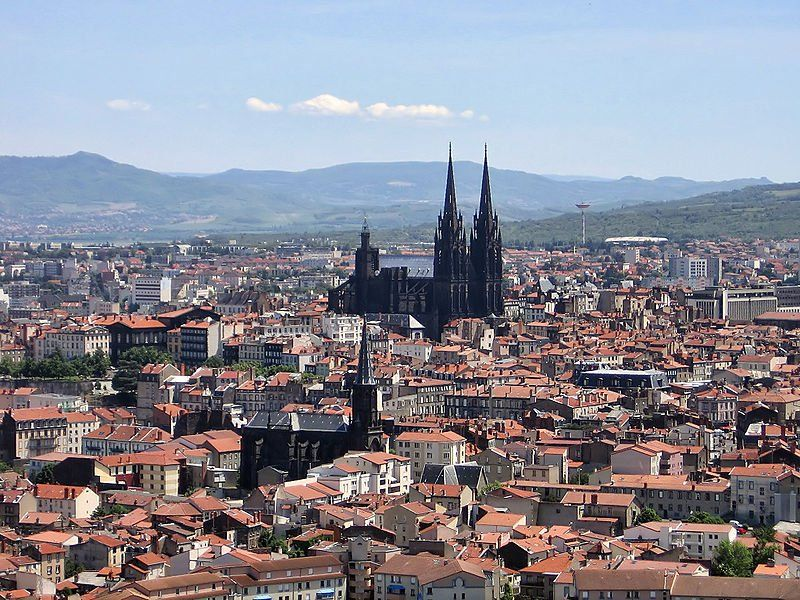 Mi nuevo sitio favorito: Clermont-Ferrand, Auvernia, Francia ;)