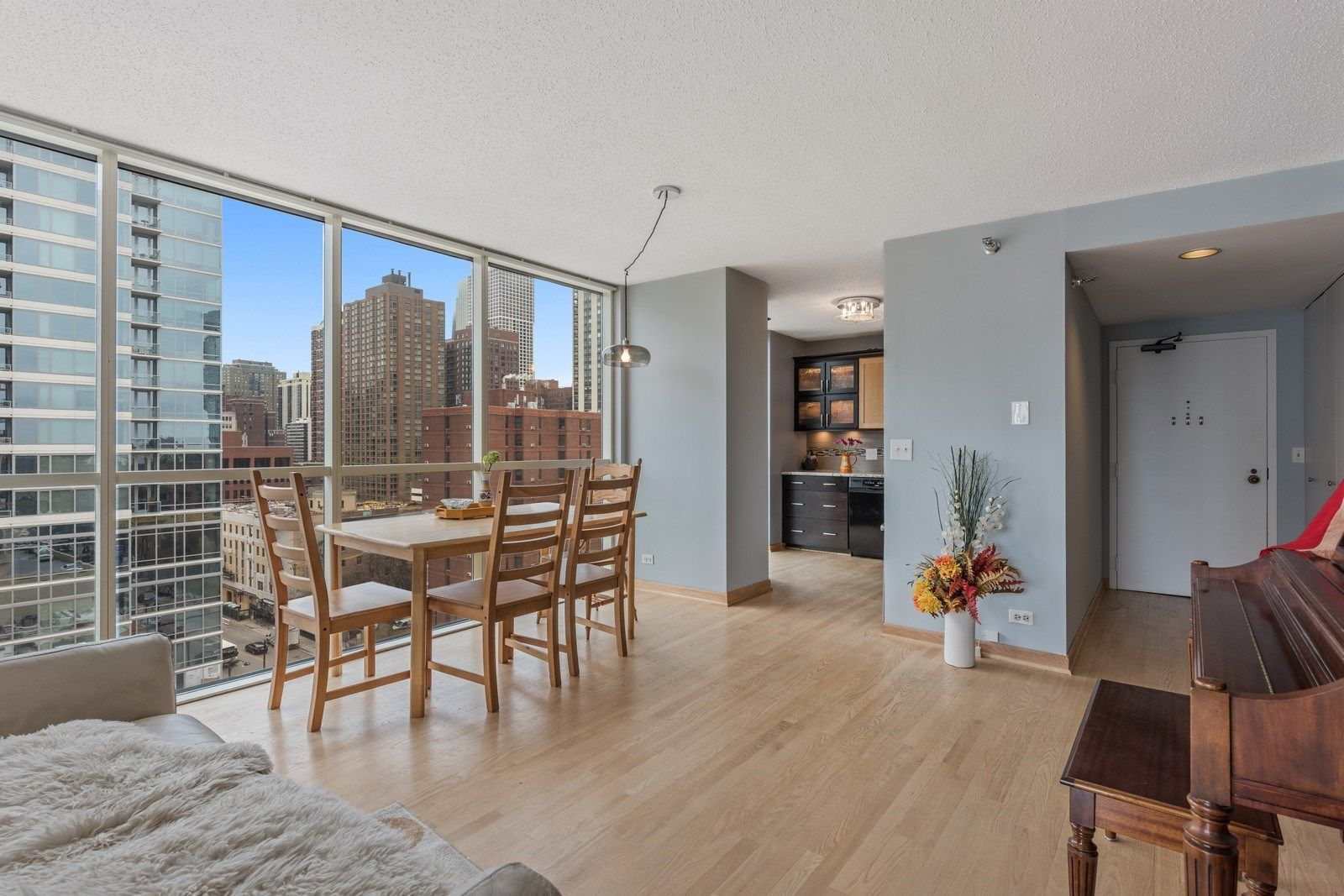 What 275K buys in Chicago right now Chicago real estate
