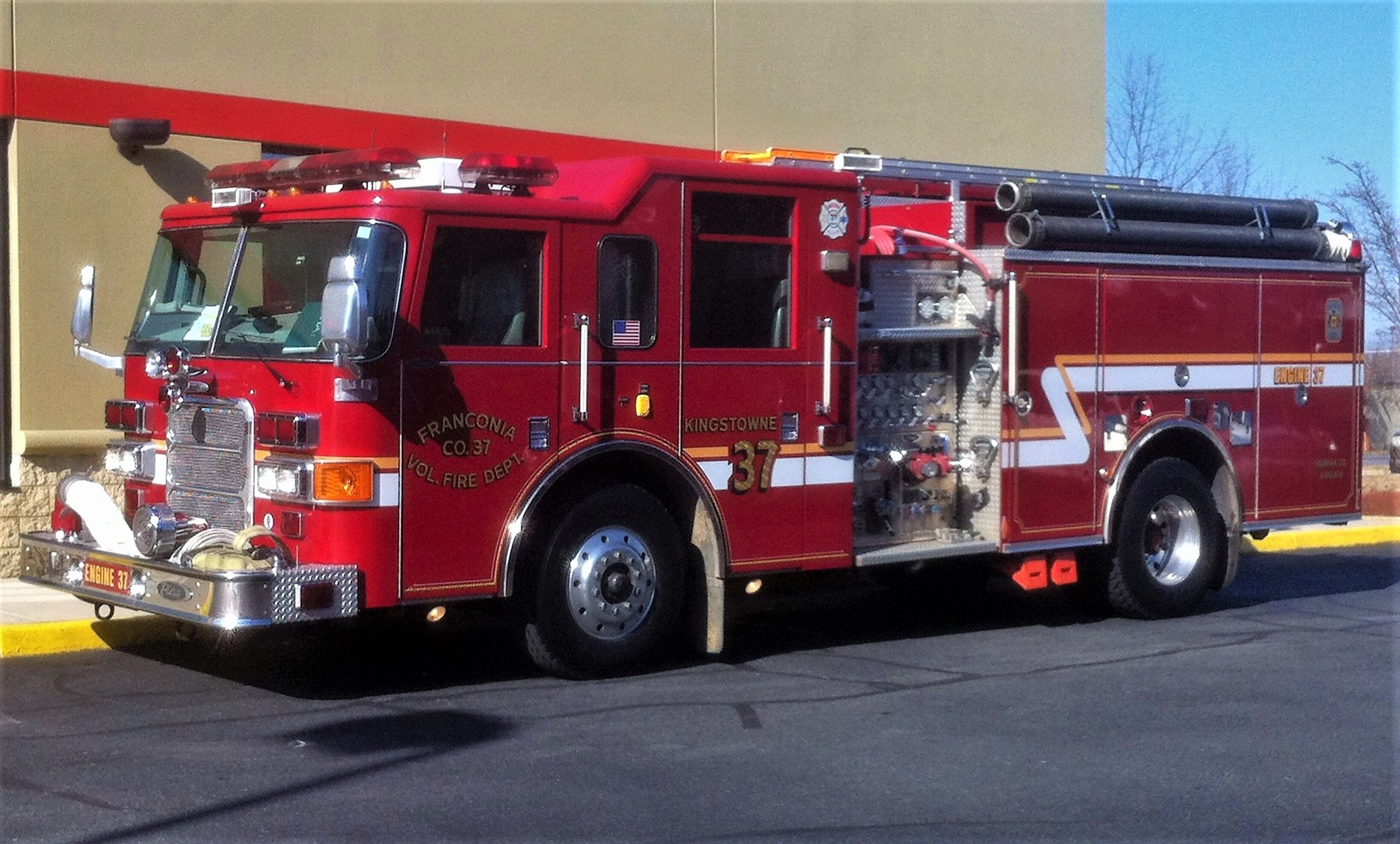 franconia volunteer fire department engine 437 pierce enforcer 1500 750 photographed on a move up to fairfax county fire station 24 outside alexandria  [ 2425 x 1462 Pixel ]