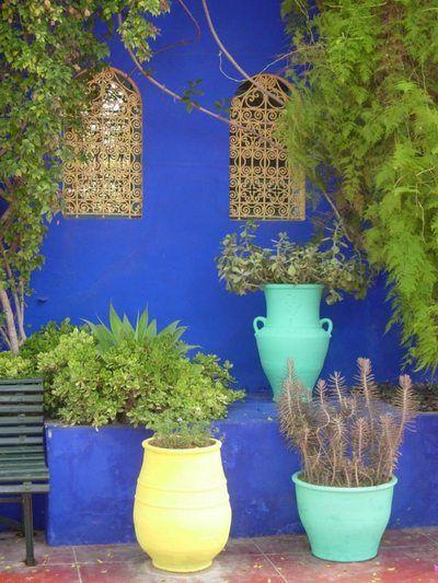 bleu majorelle bleu pinterest maroc terrasses et jardins. Black Bedroom Furniture Sets. Home Design Ideas