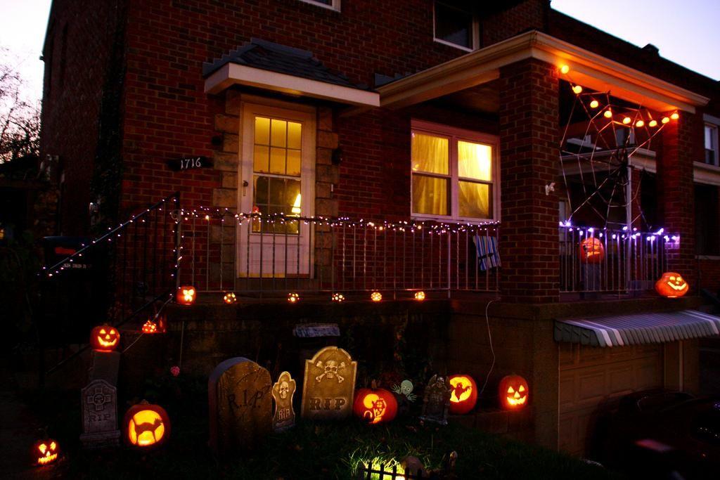 IDEAS  INSPIRATIONS Halloween Decorations - Outdoor Halloween - halloween decor images
