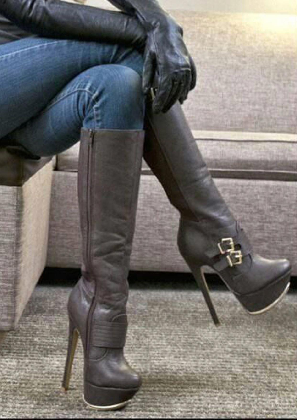 b3007822d509b Hothighheels   Sexy girls   Pinterest   Chaussure, Bottes et ...