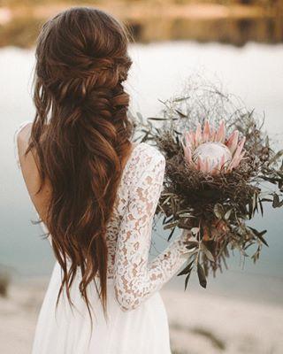 Vestidos de novia – boho, vintage, moda nupcial moderna / estudio en Bielefeld  – Peinados