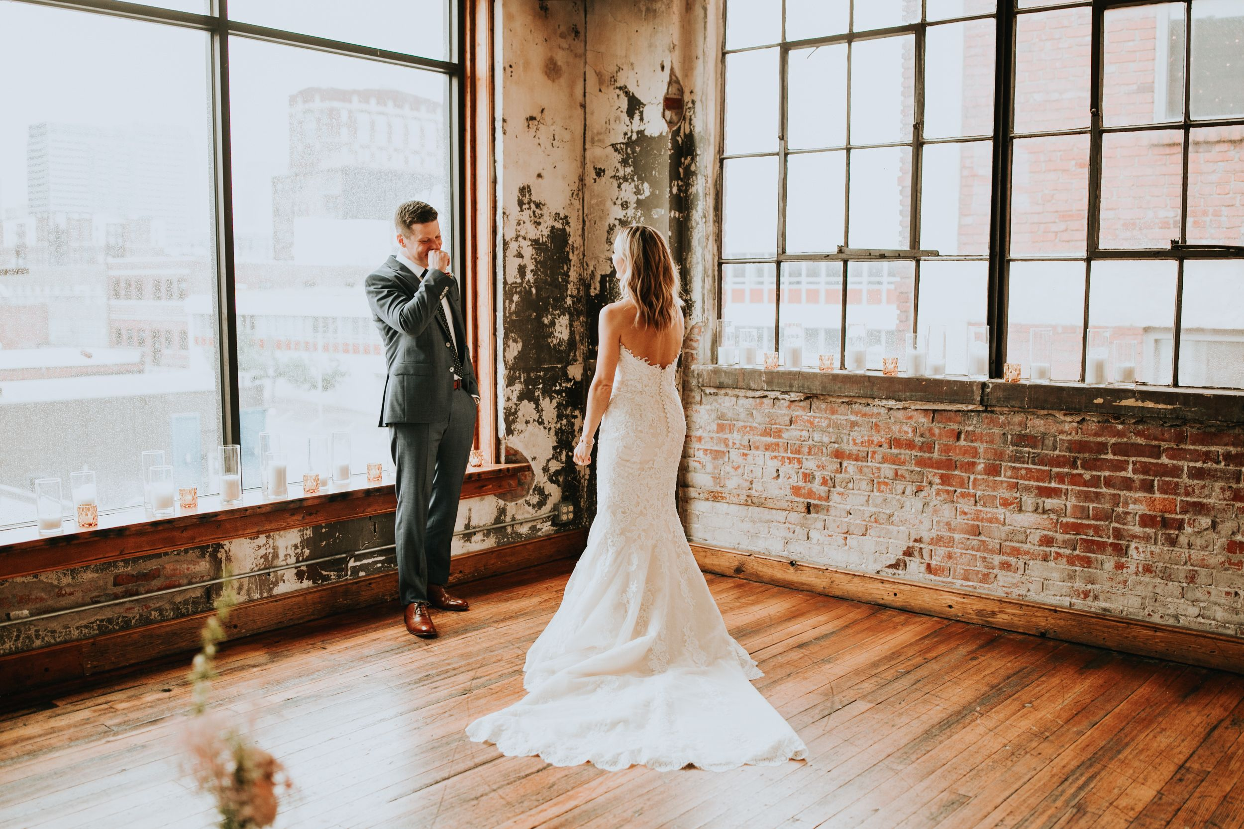 Britt And Scott S Simple Kansas City Wedding At The Bride And The Bauer The Bold Americana Pronovias Wedding Dress Kansas City Wedding Wedding Dresses