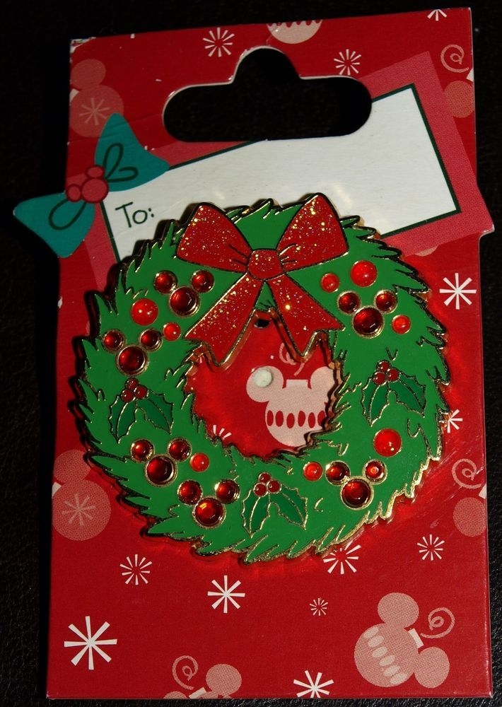 MICKEY MOUSE SPARKLE WREATH CHRISTMAS PIN WITH BACKING