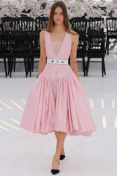 Christian Dior Fall Couture 14    Dior   Pinterest   Мода, Женская мода y  Платья 5b4da100f0d