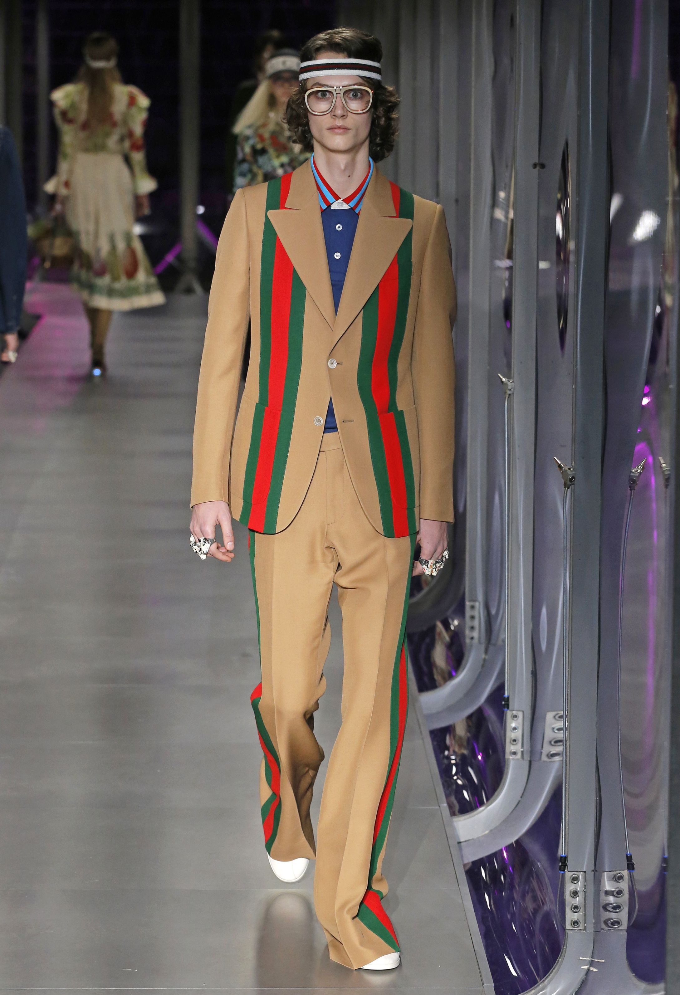 Gucci Ready To Wear Fall Winter 2017 Milan   Garment   Inverno ... 6898547763