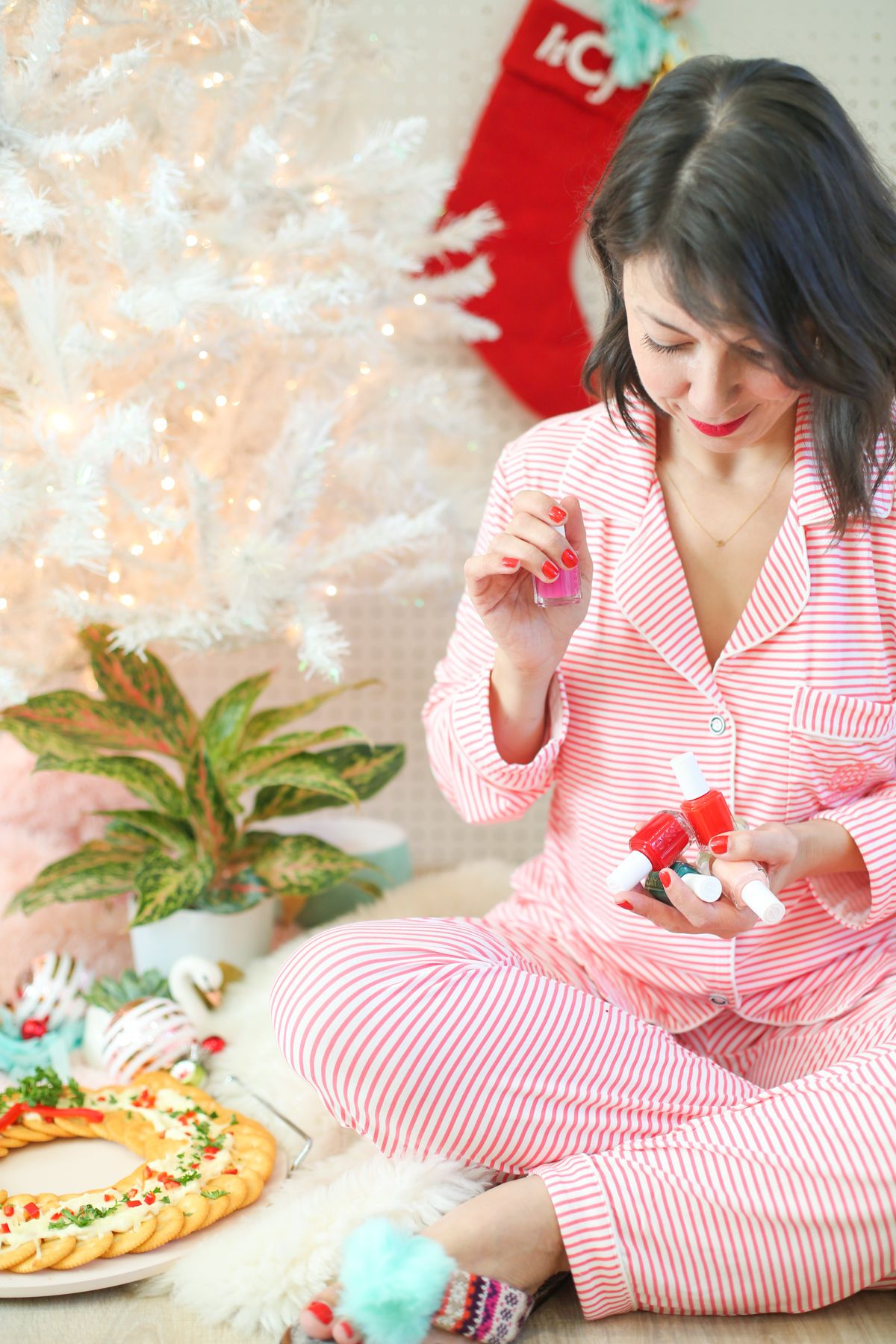 How to Throw the Best Holiday Pajama Party Pajama party