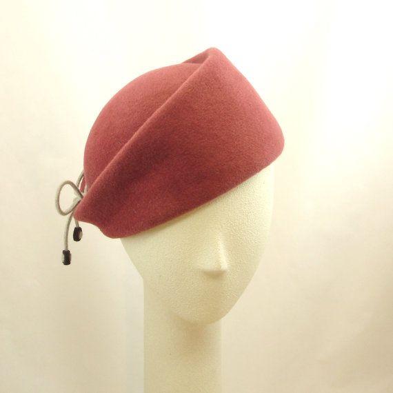 6b8ff27e Pin by Asya Artamonov on Hats | Hats, Red hats, Fascinator hats