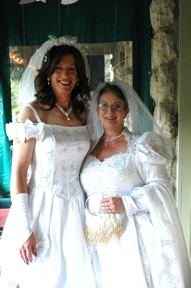 rencontre jeune gay wedding dress a Chartres
