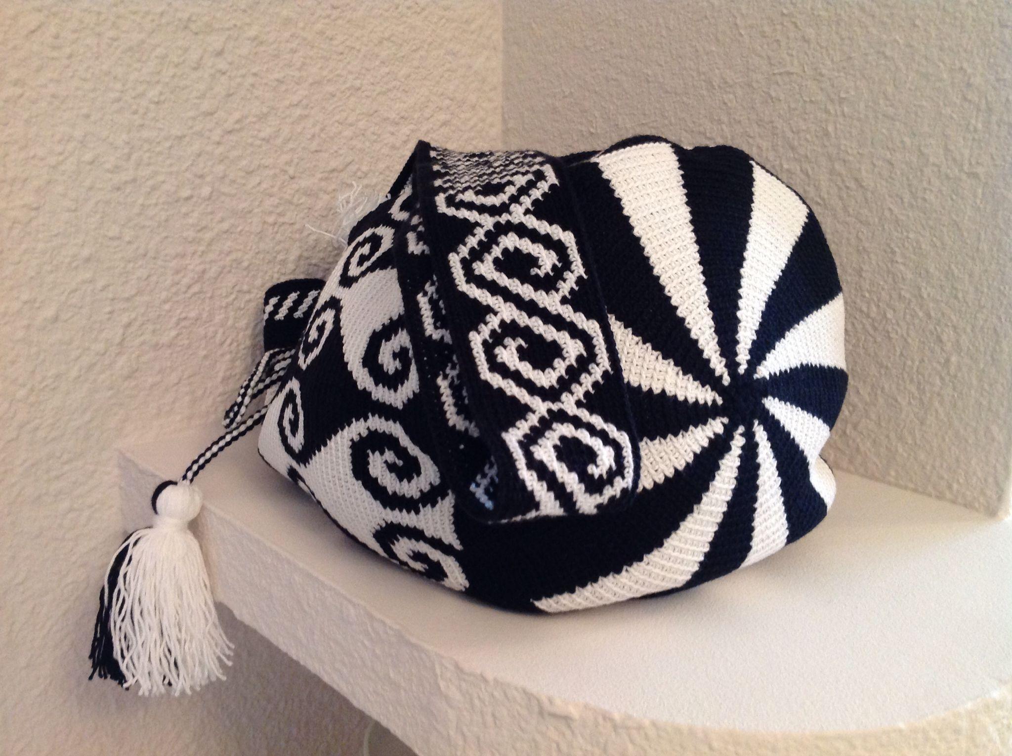 Wayuu Mochila | Mochila bags | Pinterest | Gehäkelte taschen ...