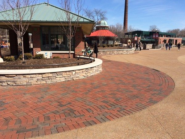 lincoln park zoo in chicago. pine hall brick stormpave full range
