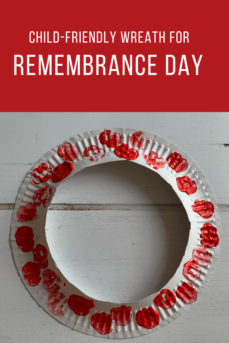 Easy child-friendly poppy wreath for Remembrance Day #remembrancedaycraftsforkids