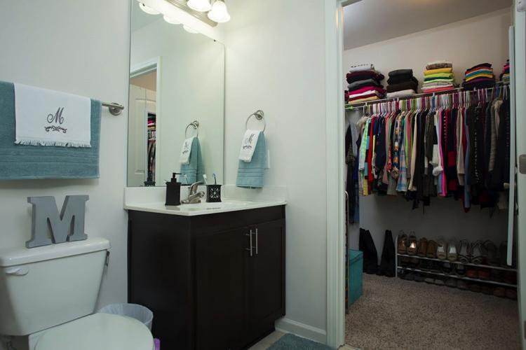 bathroom decor collegelife apartment forrent