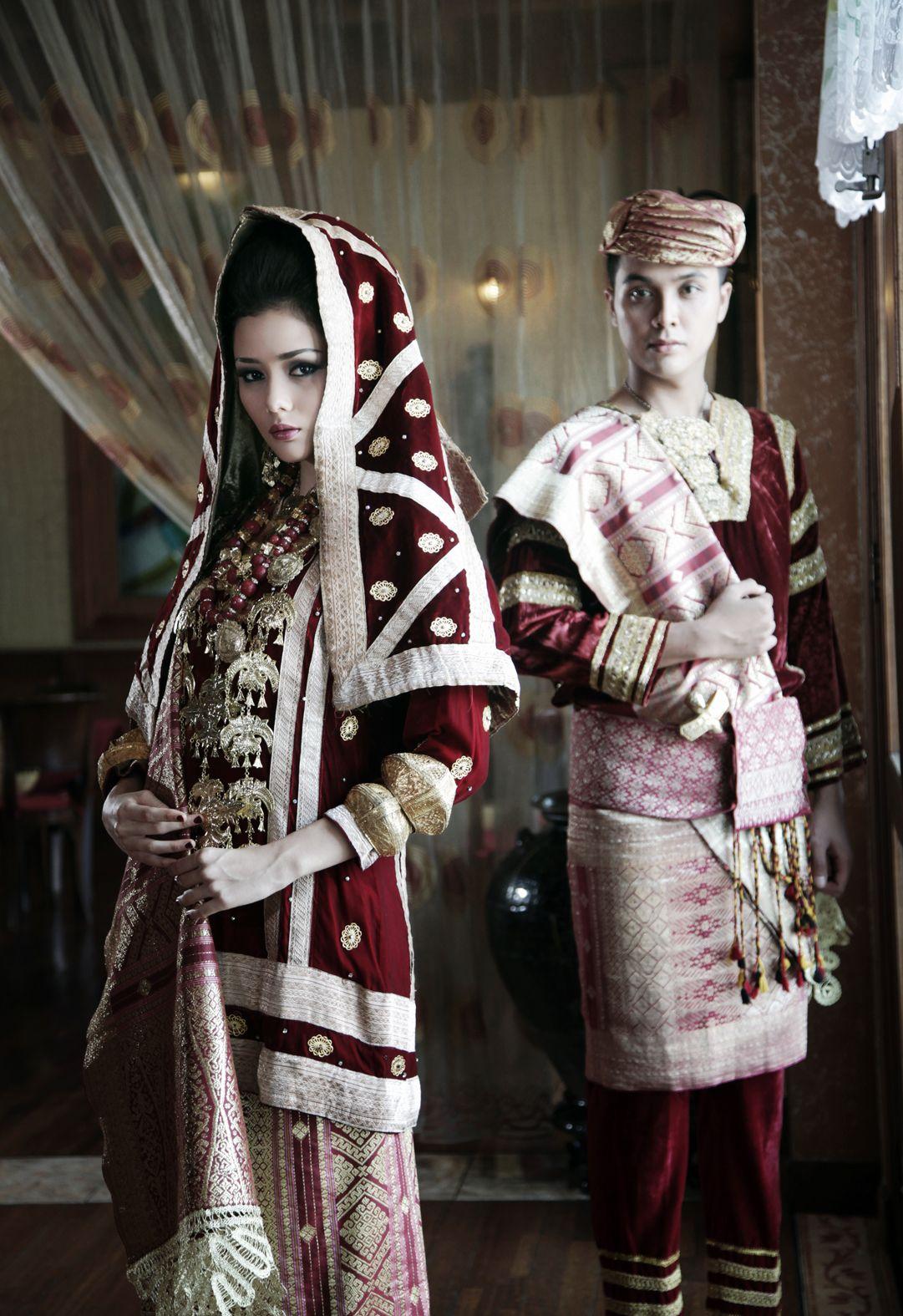Gambar Pakaian Adat Padang Sumatera Barat