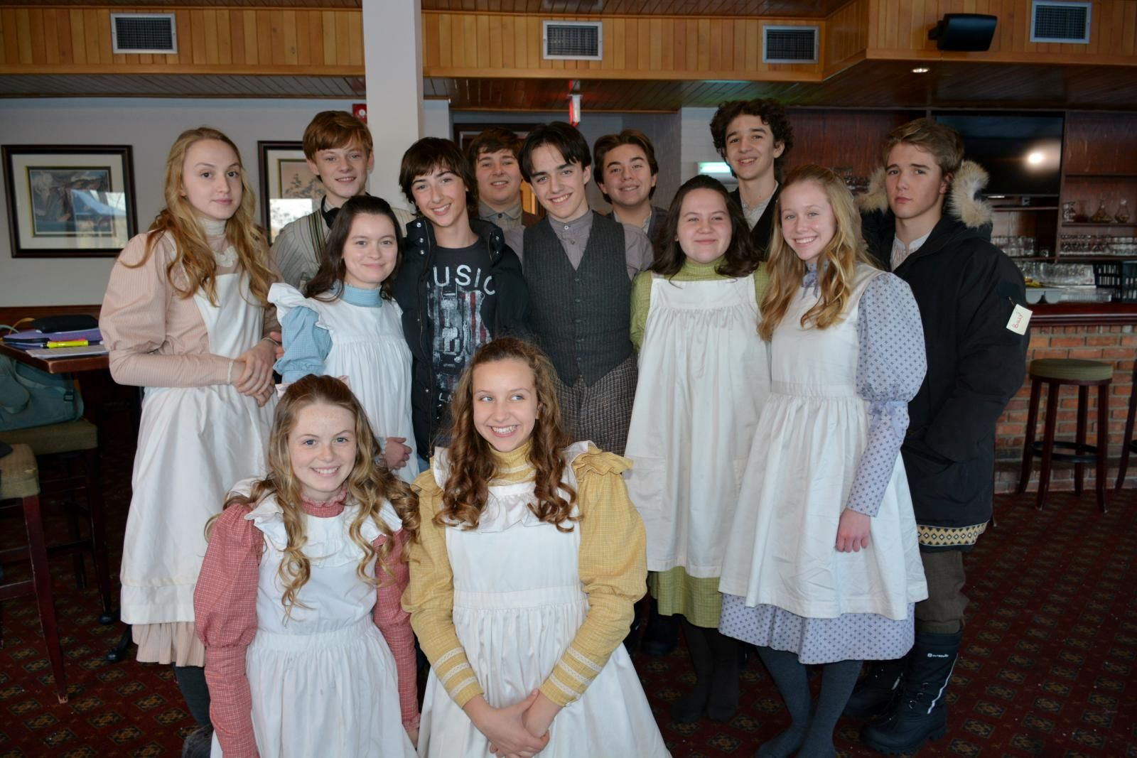 Young Cast Of Anne With An E On Set January 2018 Gilbert And Anne Anne Shirley Green Gables