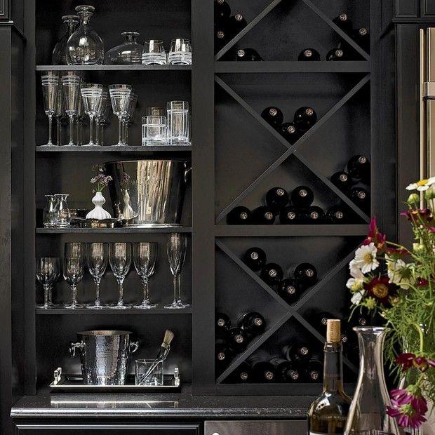 Como guardar vinho: veja o que fazer e o que não f