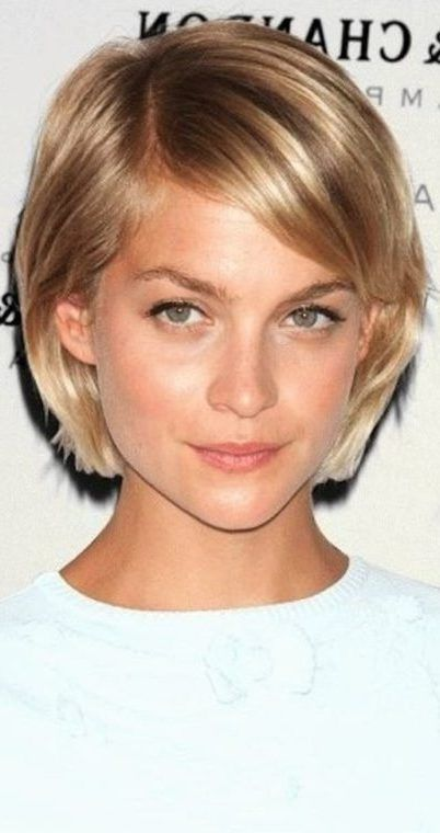 38 Short Layered Bob Haircuts with Side Swept Bangs That Make You Look Younger #shortlayers