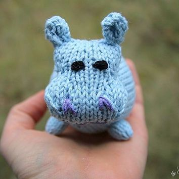 Hilde the hippo knitting pattern for beginners and advanced knitters hilde the hippo knitting pattern for beginners and advanced knitters spring gift and decoration negle Gallery