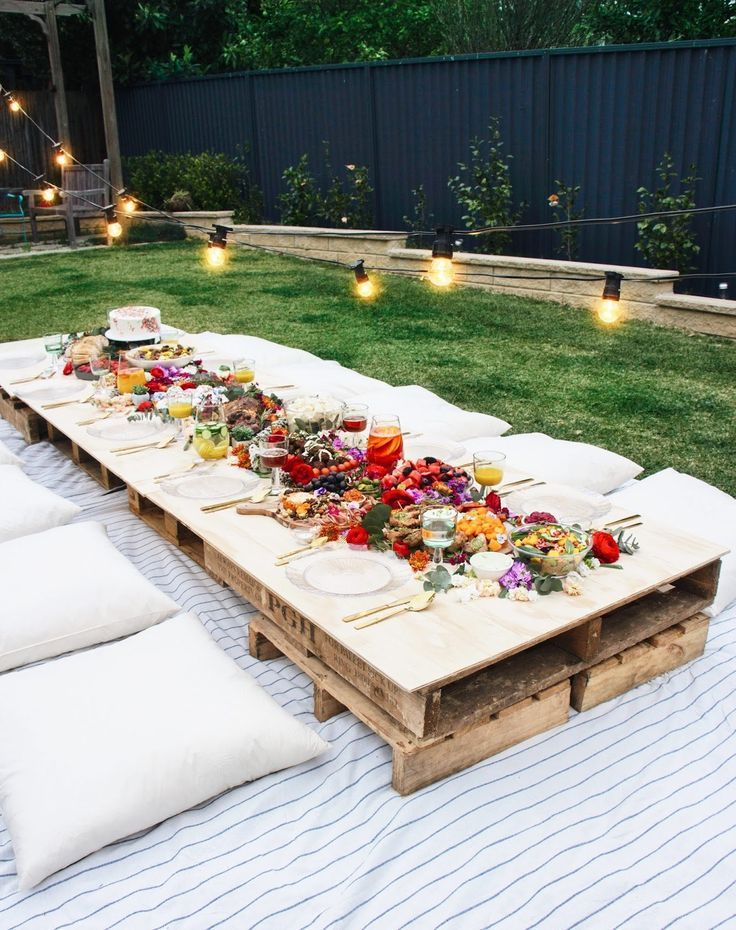 Garden Party Ideas, The Best Summer Party #seating #cushions #pallettable #garde ... - #cushions #garde #Garden #Ideas #pallettable #Party #seating #Summer #ideassummer