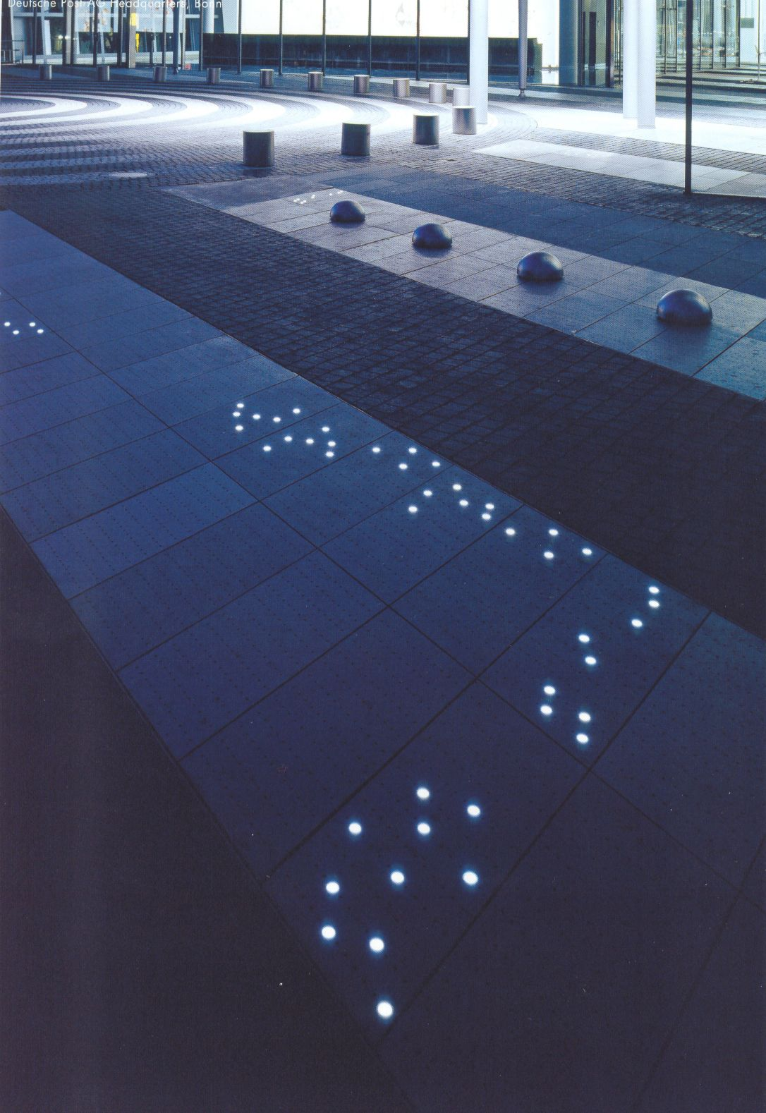 Eclairage Exterieur Urbain Plaza And Courtyard Lighting Lark Pinterest Design