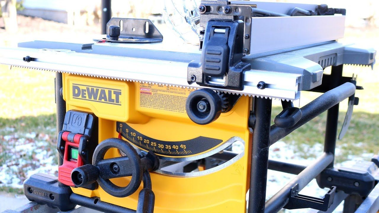 Dewalt Table Saw Review Looking At The New Updated Compact Dewalt Dwe74 In 2020 Table Saw Reviews Dewalt Table Saw