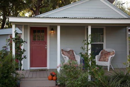 Check Out This Awesome Listing On Airbnb Casita In Elmwood Oak Cliff Cabins For Rent In Dallas Get 25 Credit With A Vacation Rental Airbnb Historic Home