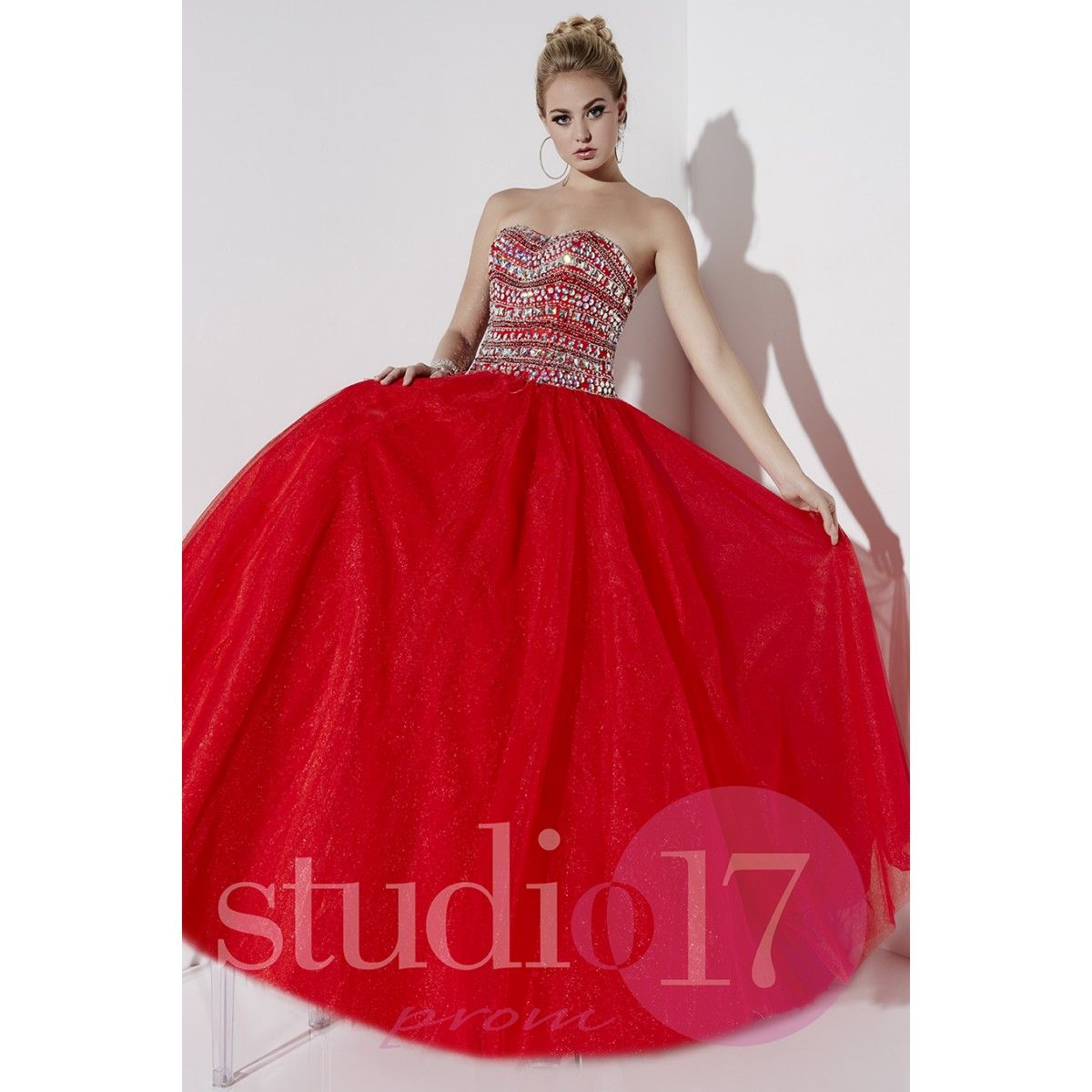 Studio 17 Style 12536 Set Yourself Apart From The Crowd In