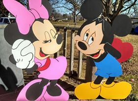 Wood Mickey and Minnie Mouse Valentines Yard art decoration | wood ...