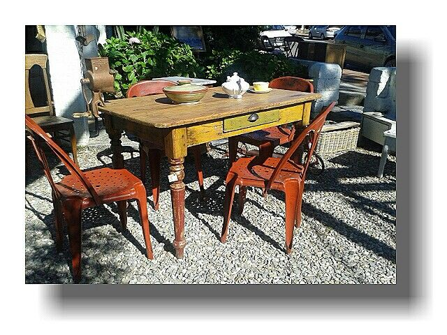 Antigua mesa de campo en pino tea y tapa de pino blanco con patas ...