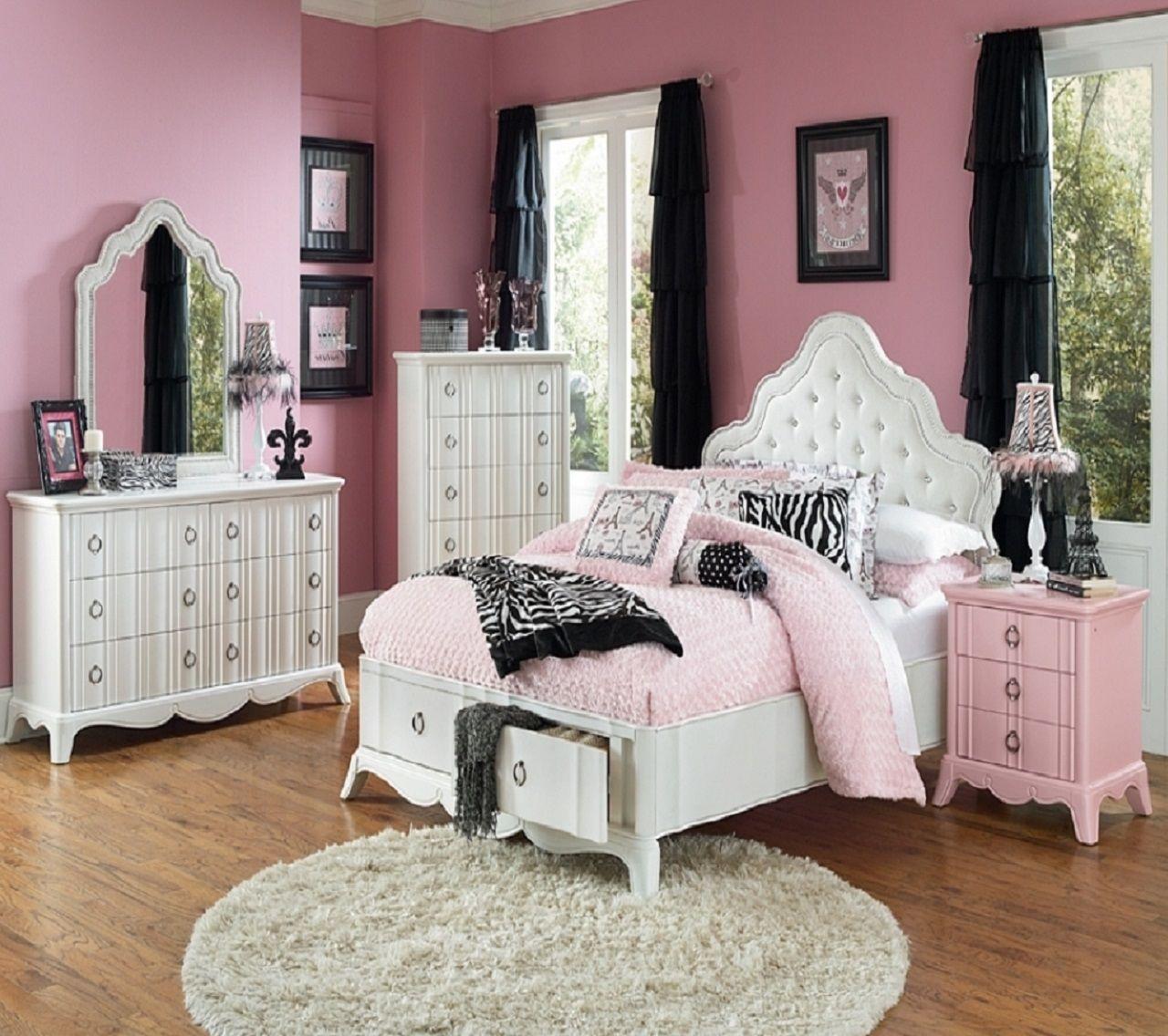 Int pink black bedroom med episodeinteractive episode for Black and pink wallpaper for bedroom