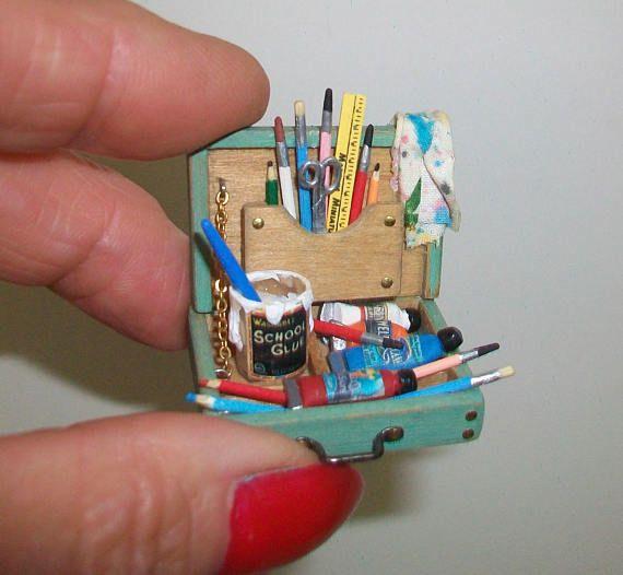 Marquis Miniatures: Miniature Child's Paint Box 1:12 Scale