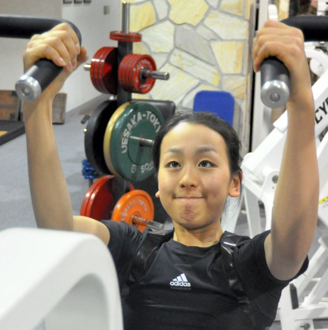 〈これまでの歩み〉 シーズンオフは陸上トレーニングにも余念がなかった=2009年4月4日、東京都港区のウイダートレーニングラボ
