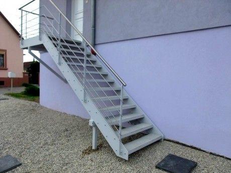 Escalier exterieur marche dalle terrasse 2 mur escalier for Marche exterieur escalier