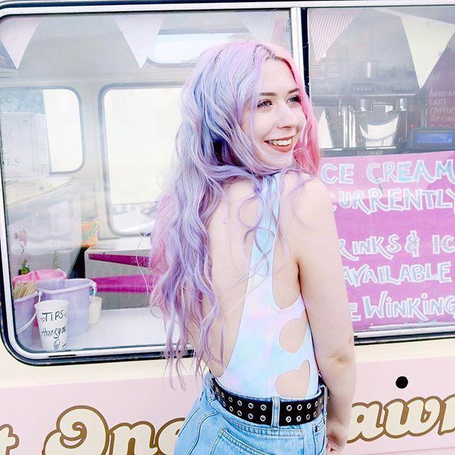 new on the blog as of 3 mins ago !! 🦄🍦🦄🍦🦄 link in bio 💕 www.KaylaHadlington.com Instagram @KaylaHadlington pink pastel hair