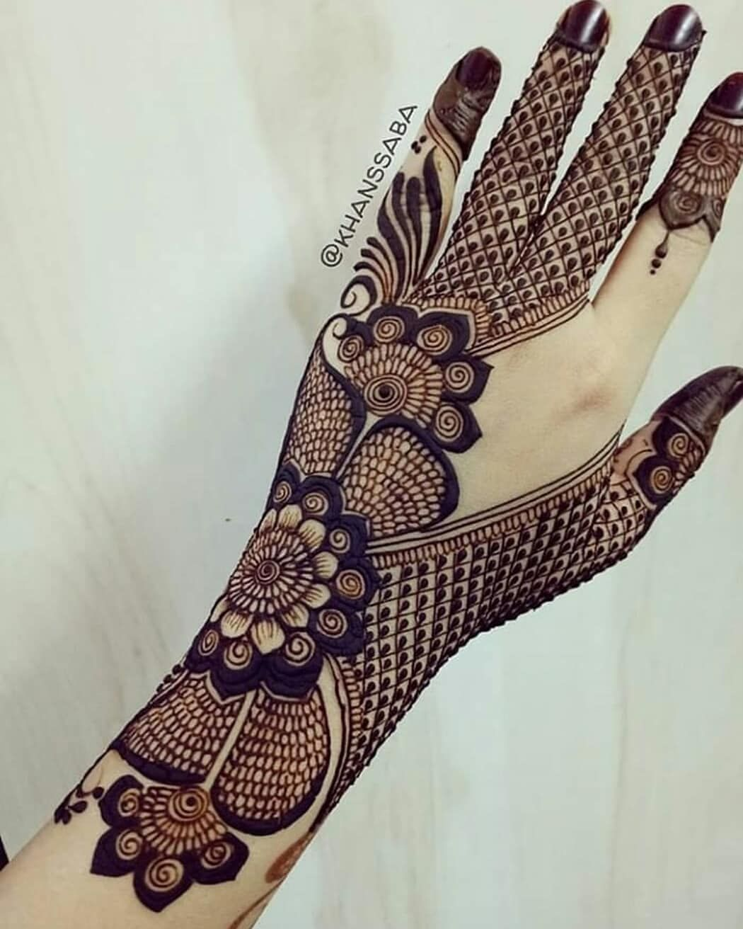 Raise your hands if you are mad for mehndi designs which one yay  or nay how  this gyzzz also give rating henna mendhibythamanna pinterest tatuagem and rh br