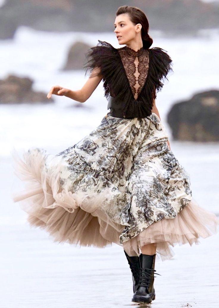 Christian Dior Denim Midi Dress - Clothing -           CHR94924 | The RealReal -  Dior Resort 2019 – Dior Dress – Ideas of Dior Dress #diordresses #dior #dresses –  Dior Resor - #90sRunwayFashion #CHR94924 #Christian #Clothing #denim #Dior #Dress #Midi #RealReal #RunwayFashion2020 #RunwayFashionaesthetic #RunwayFashionchanel #RunwayFashioncrazy #RunwayFashiondior #RunwayFashiondresses #RunwayFashionvogue #RunwayFashionwomen