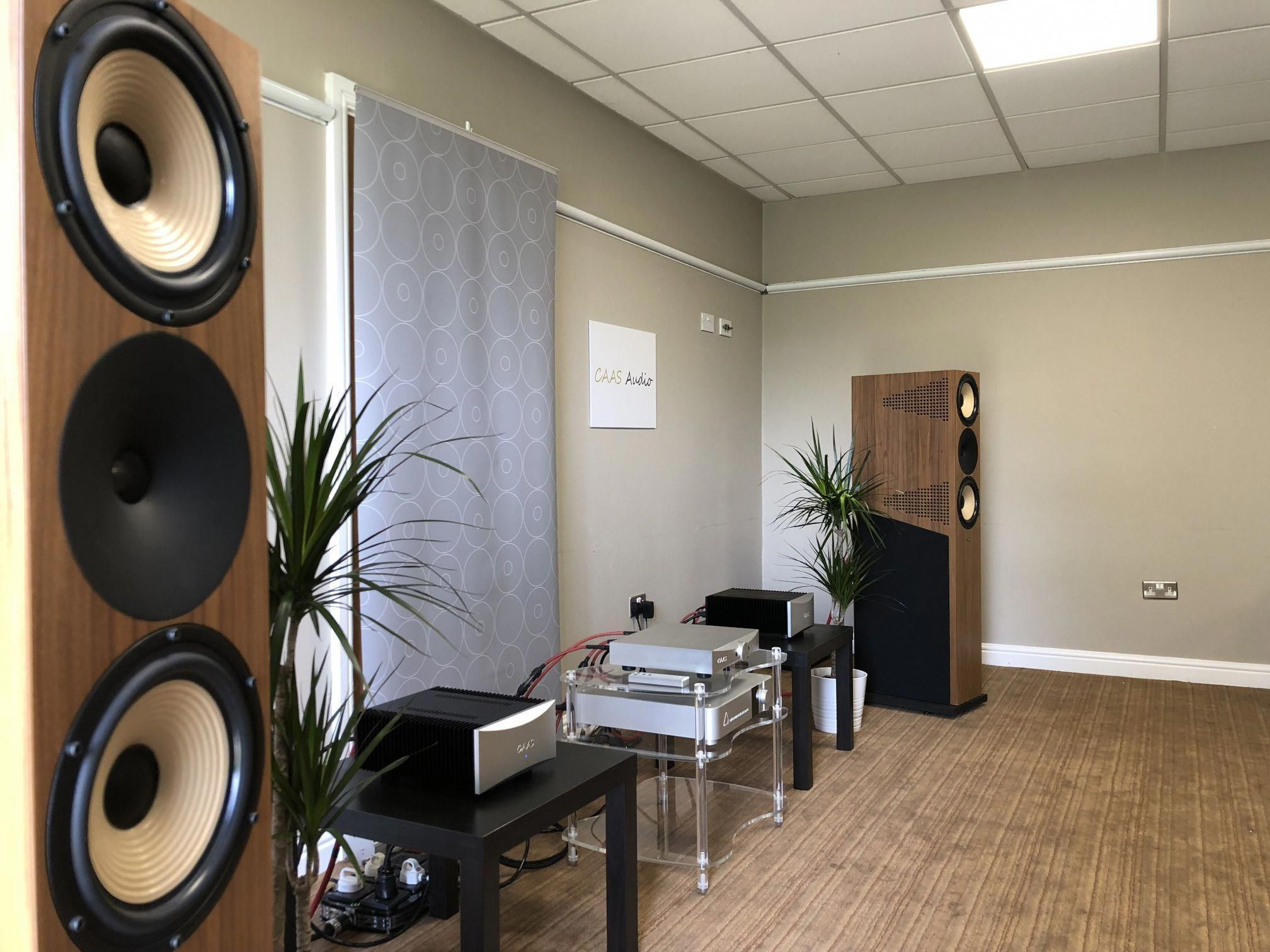 Audio Systems And High End Sound Reinforcement Speakers High End