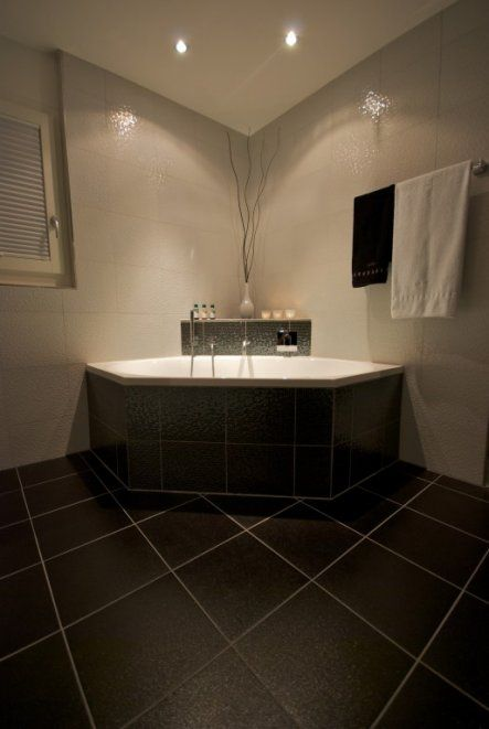 bad 39 hauptbad 39 badezimmer in 2019 bad badezimmer und badewanne. Black Bedroom Furniture Sets. Home Design Ideas
