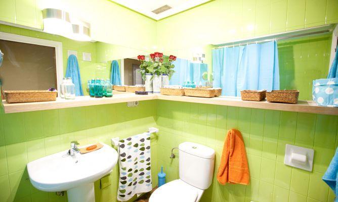 Actualizar el ba o sin hacer obras azulejos pintados for Azulejos suelo bano