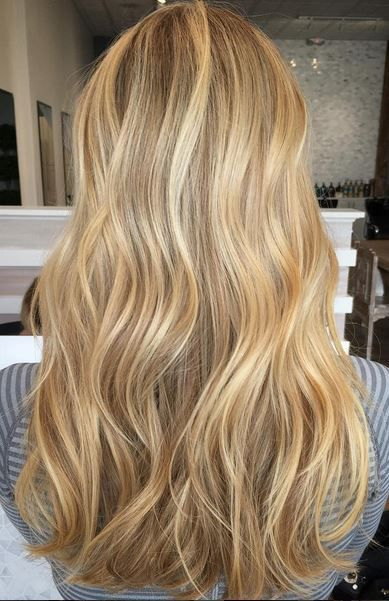 Beige And Gold Honey Blonde Highlights Hair Styles Honey Blonde