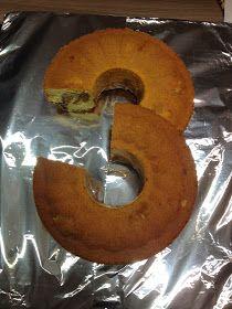 Auch im Kindergarten wurde Emil's Geburtstag gefeiert und dazu brachte er einen ganz besonderen  Kuchen mit...        Emil und die anderen K... #tortegeburtstag