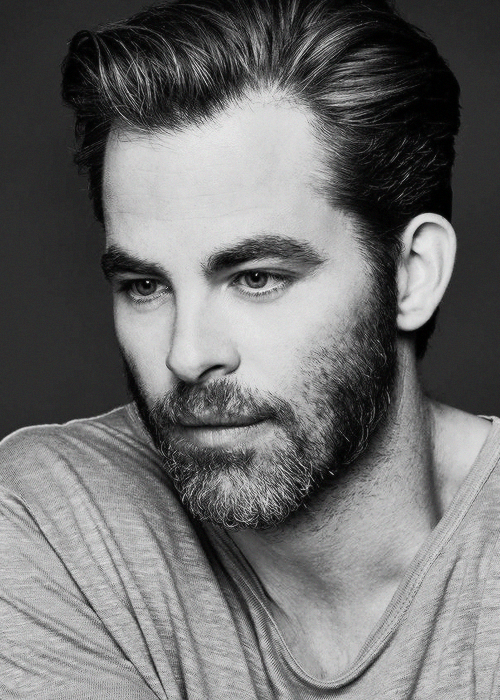 Chris Pine Photographed By Ben Watts For Men S Fitness July August 2016 Chris Pine Chris Pine Hair Cris Pine